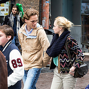 NLD/Amsterdam/20140406 - Inloop filmpremière Rio 2, Pim Wessels en partner Pip Pellens