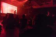 NOCTURNE 5 :: DEEP EASE <br /> Musée d'art contemporain - Salle principale<br /> dimanche 31 mai<br /> Une dernière nuit de sons exubérants alors que le dub est métissé au jazz, à la house et à la techno par des artistes à la musicalité et à l'habileté technique redoutable, mixant les échantillons et jouant avec les ambiances pour créer un continuum qui enflamme le corps, l'âme et, si vous le possédez encore en cette dernière nuit du festival, l'esprit.