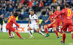 20.10.2016, Red Bull Arena, Salzburg, AUT, UEFA EL, FC Red Bull Salzburg vs OGC Nizza, Gruppe I, im Bild Takumi Minamino (FC Red Bull Salzburg), Younes Belhanda (OGC Nice), Josip Radosevic (FC Red Bull Salzburg) // Takumi Minamino (FC Red Bull Salzburg), Younes Belhanda (OGC Nice), Josip Radosevic (FC Red Bull Salzburg) during the UEFA Europa League group I match between FC Red Bull Salzburg and OGC Nizza at the Red Bull Arena in Salzburg, Austria on 2016/10/20. EXPA Pictures © 2016, PhotoCredit: EXPA/ JFK