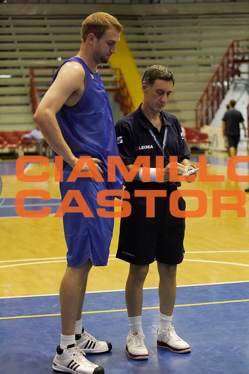 DESCRIZIONE : Napoli Lega A 2009-10 NSB Solsonica Napoli Primo Allenamento<br /> GIOCATORE : Lance Allred Franco Marcelletti<br /> SQUADRA : NSB Solsonica Napoli<br /> EVENTO : Campionato Lega A 2009-2010 <br /> GARA : <br /> DATA : 03/09/2009<br /> CATEGORIA : <br /> SPORT : Pallacanestro <br /> AUTORE : Agenzia Ciamillo-Castoria/A.De Lise