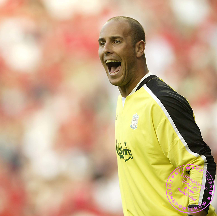 Photo Aidan Ellis/SBI/WROFOTO..Liverpool v Total Network Solutions...UEFA Champions League Qualifier 1st round 1st leg..13/07/2005...Liverpool's new keeper Jose Reina gives out instructions......