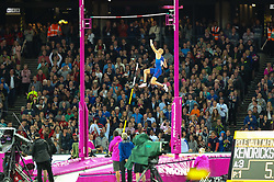 London, August 08 2017 . Sam Kendricks, USA, makes his gold-winning jump in the men's pole-vault final on day five of the IAAF London 2017 world Championships at the London Stadium. © Paul Davey.