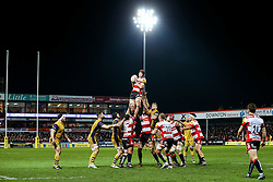 Lewis Ludlow of Gloucester Rugby wins a lineout as Mitch Eadie of Bristol Rugby competes - Rogan Thomson/JMP - 03/12/2016 - RUGBY UNION - Kingsholm Stadium - Gloucester, England - Gloucester Rugby v Bristol Rugby - Aviva Premiership.