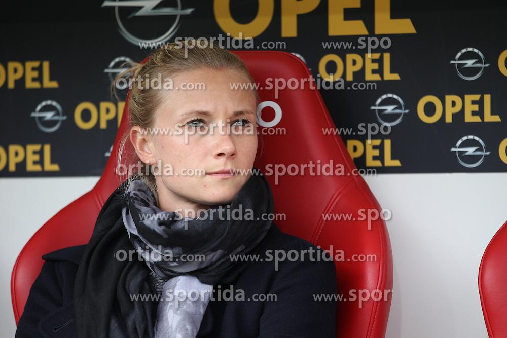26.09.2015, Coface Arena, Mainz, GER, 1. FBL, 1. FSV Mainz 05 vs FC Bayern Muenchen, 7. Runde, im Bild Teammanagerin Kathleen Krueger (Bayern Muenchen) // during the German Bundesliga 7th round match between 1. FSV Mainz 05 and FC Bayern Munich at the Coface Arena in Mainz, Germany on 2015/09/26. EXPA Pictures &copy; 2015, PhotoCredit: EXPA/ Eibner-Pressefoto/ Schueler<br /> <br /> *****ATTENTION - OUT of GER*****