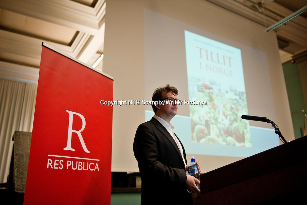 Oslo  20121128. Helge Skirbekk deltar lanseringsseminar av boken &quot;Tillit i Norge&quot; p&Acirc; Nasjonalgalleriet onsdag. <br /> Foto: Fredrik Varfjell / NTB scanpix<br /> <br /> NTB Scanpix/Writer Pictures<br /> <br /> WORLD RIGHTS, DIRECT SALES ONLY, NO AGENCY