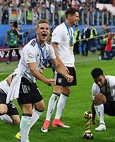 FUSSBALL FIFA Confed Cup 2017 FINALE IN ST. PETERSBURG Chile - Deutschland                       02.07.2017 JUBEL Deutschland; Joshua KIMMICH, Leon GORETZKA und Benjamin HENRICHS (v.li.)