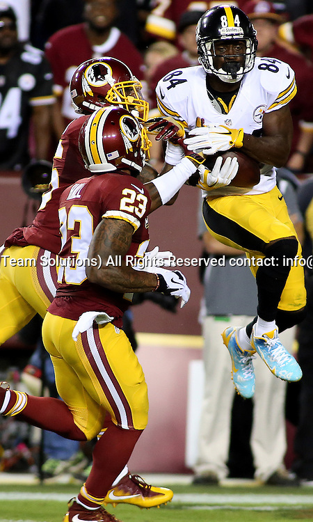 12 September, 2016: Pittsburgh Steelers wide receiver Antonio Brown (84) makes a touchdown grab over Washington Redskins safety DeAngelo Hall (23) and Washington Redskins cornerback Bashaud Breeland (26) during a match between the Washington Redskins and the Pittsburgh Steelers at FedEXField in Landover, Maryland. (Photo By: Daniel Kucin Jr./Icon Sportswire)