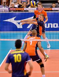 31-05-2015 NED: CEV EK Kwalificatie Nederland - Spanje, Doetinchem<br /> Nederland wint met 3-1 van Spanje en plaatst zich voor het EK in Bulgarije en Italie / Gijs Jorna #7