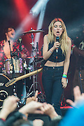 Wolf Alice play the Park Stage. The 2015 Glastonbury Festival, Worthy Farm, Glastonbury.