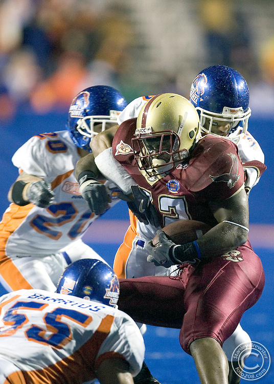 12-28-05-Boise ID. Boise State vs. Boston College in the 2005 MPC Computers Bowl in Bronco Stadium. The Eagles beat the Broncos 27-21.
