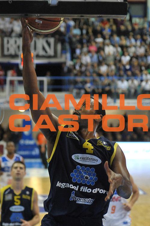 DESCRIZIONE : Brindisi Lega A 2012-13 Enel Brindisi Sutor Montegranaro<br /> GIOCATORE : Steele Ronald<br /> CATEGORIA : Tiro<br /> SQUADRA : Sutor Montegranaro<br /> EVENTO : Campionato Lega A 2012-2013 <br /> GARA : Enel Brindisi Sutor Montegranaro<br /> DATA : 18/11/2012<br /> SPORT : Pallacanestro <br /> AUTORE : Agenzia Ciamillo-Castoria/V.Tasco<br /> Galleria : Lega Basket A 2012-2013  <br /> Fotonotizia : Brindisi Lega A 2012-13 Enel Brindisi Sutor Montegranaro<br /> Predefinita :