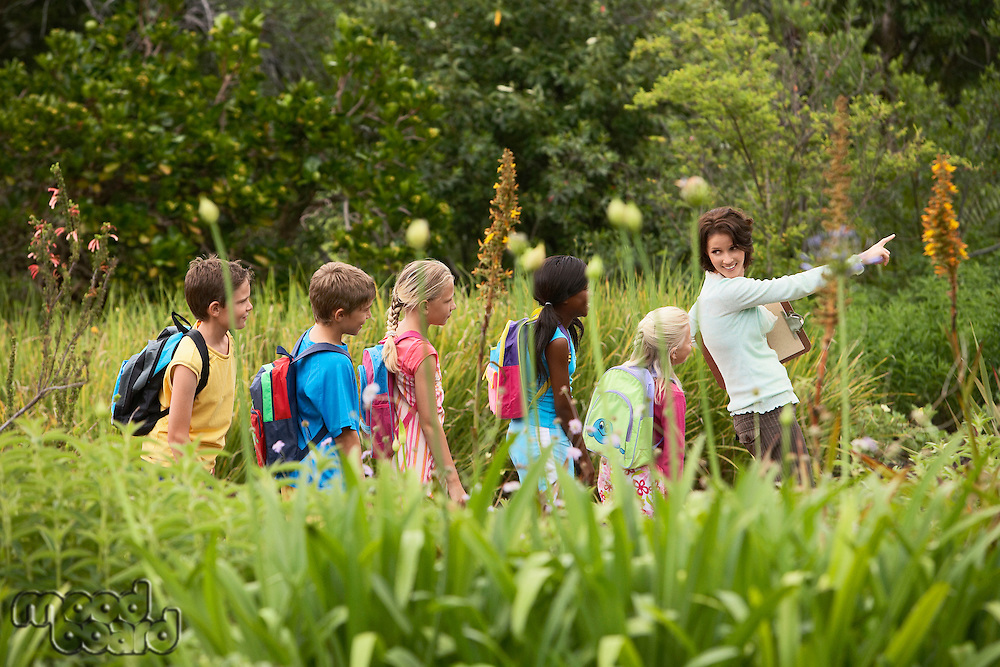 Children on Nature Field Trip