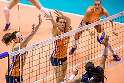 22-08-2017 NED: World Qualifications Netherlands - Greece, Rotterdam<br /> Lonneke Sloetjes #10 of Netherlands, Robin de Kruijf #5 of Netherlands