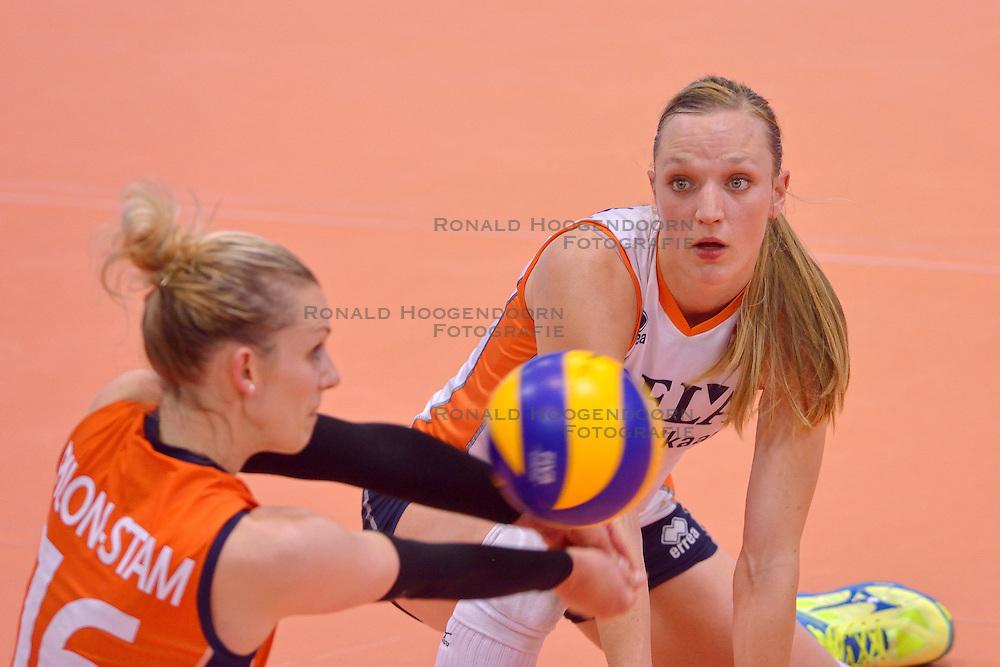 30-05-2015 CHE: Halve Finale Volley Masters Nederland - Turkije, Montreux<br /> Nederland verliest de halve met 3-2 van Turkije en speelt morgen op het brons / Debby Stam-Pilon #16, Judith Pietersen #8