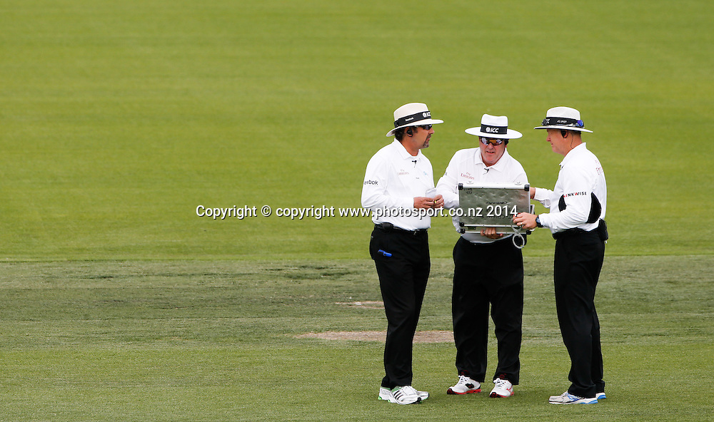 Umpires, Richard Illingworth, Steve Davis (TMO) and Bruce Oxenford select a new ball. Day 3, ANZ Boxing Day Cricket Test, New Zealand Black Caps v Sri Lanka, 28 December 2014, Hagley Oval, Christchurch, New Zealand. Photo: John Cowpland / www.photosport.co.nz