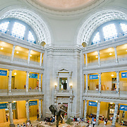 Main Hall of the Smithsonian Museum of Natural History, Smithsonian Instituion