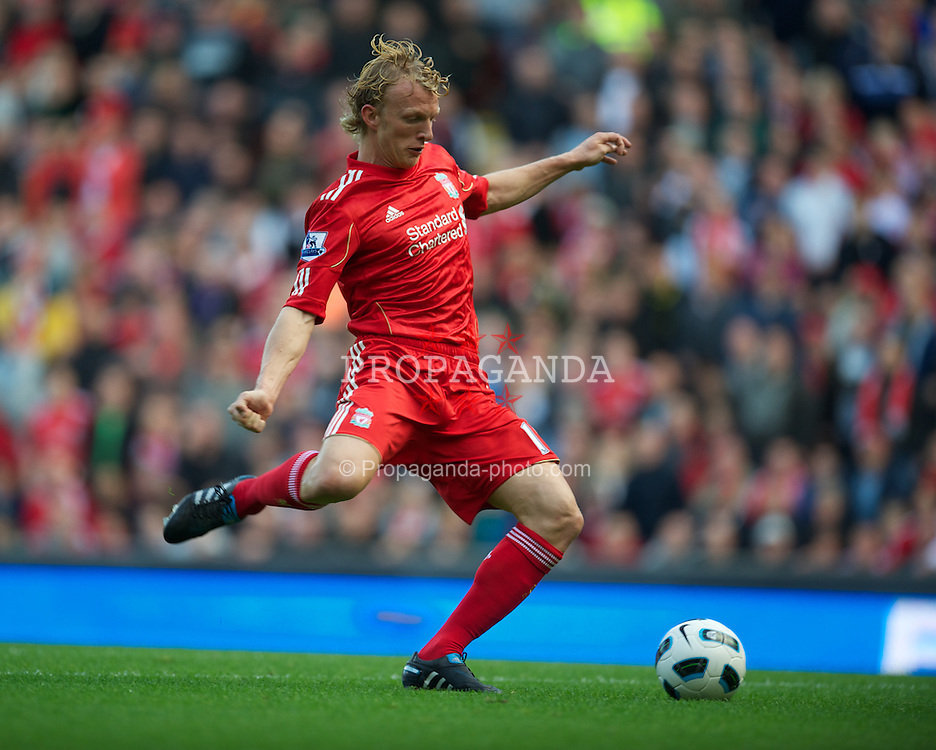 LIVERPOOL, ENGLAND - Saturday, September 25, 2010: Liverpool's Dirk Kuyt scores his side's opening goal against Sunderland during the Premiership match at Anfield. (Photo by David Rawcliffe/Propaganda)