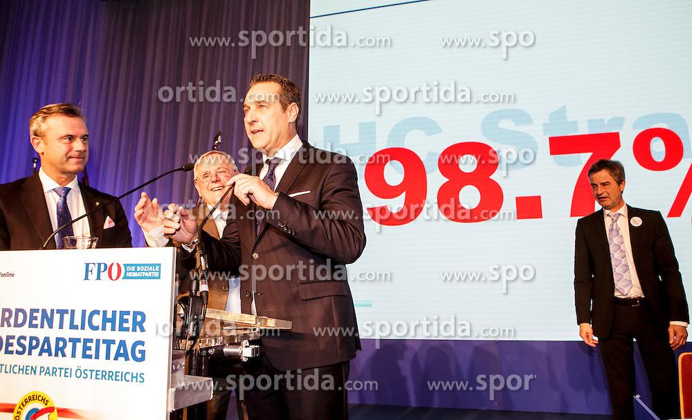 04.03.2017, AUT, FPÖ, 32. Ordentlicher Bundesparteitag, im Bild v.l.n.r. Norbert Hofer und Heinz Christian Strache // at the 32nd Ordinary Party Convention of the Freiheitliche Partei Oesterreich (FPÖ) in Klagenfurt, Austria on 2017/03/04. EXPA Pictures © 2017, PhotoCredit: EXPA/ Wolgang Jannach