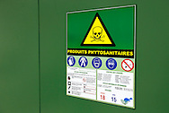 31/01/14 - VALENCE - DROME - FRANCE - Local de stockage securise et armoire fermee pour les produits phytosanitaires - Photo Jerome CHABANNE