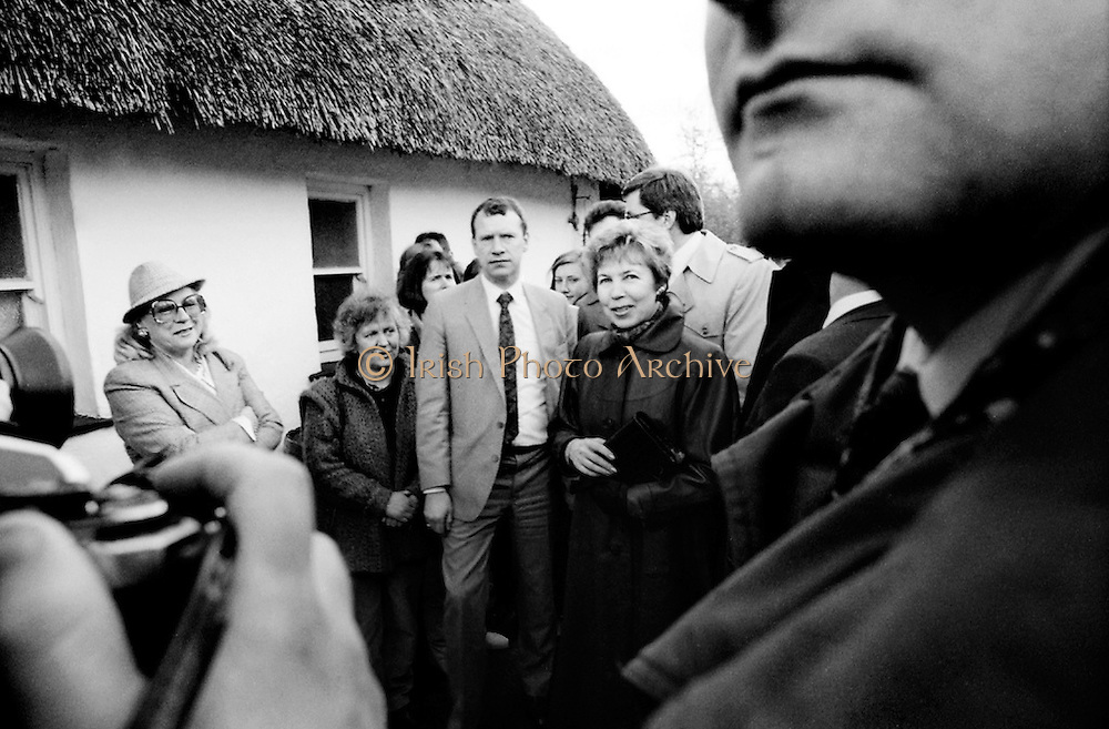 Raisa Gorbachev visits Bunratty Folk Park, accompanied by Maureen Haughey, wife of An Taoiseach Charles Haughey TD. While her husband, Russian President Mikhail Gorbachev, was working on state matters, Mrs Gorbachev was taken on a tour of the Folk Park in County Clare. The Gorbachevs were in Ireland as part of a tour of European capitals.<br />