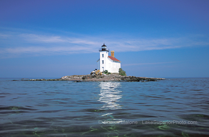 Gull Rock Lighthouse-2 lighthouses in the Upper Peninsula of Michigan