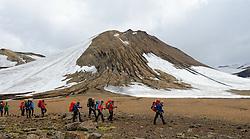 07-07-2014 ISL: Iceland Diabetes Challenge Dag 3, Hrafntinnusker<br /> Trek van Hrafntinnusker naar Aftavatn / Team, groep