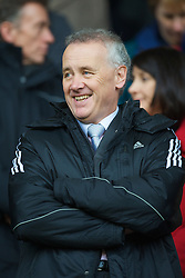 LIVERPOOL, ENGLAND - Saturday, March 8, 2008: Liverpool's Chief-Executive Rick Parry during the Premiership match at Anfield. (Photo by David Rawcliffe/Propaganda)