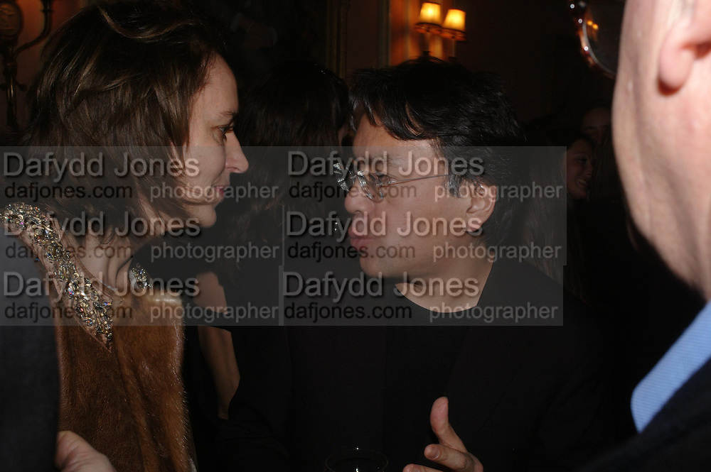 Kazuo Ishiguro. Book party for 'Saturday' by Ian McEwan, Polish Club, South Kensington.  4 February 2005. ONE TIME USE ONLY - DO NOT ARCHIVE  © Copyright Photograph by Dafydd Jones 66 Stockwell Park Rd. London SW9 0DA Tel 020 7733 0108 www.dafjones.com