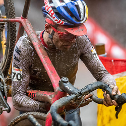22-12-2019: Cycling: CX Worldcup: Namur: Tom Pidcock beein nearly completed covered by mud