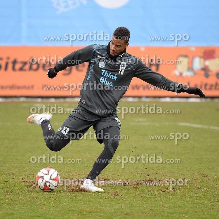 05.03.2015, Gruenwalderstrasse, M&uuml;nchen, GER, 2. FBL, TSV 1860 M&uuml;nchen, Training, im Bild vl. Martin Angha ( TSV 1860 Muenchen ) // during a practice session of 2nd german footballleague club TSV 1860 M&uuml;nchen at the Gruenwalderstrasse in M&uuml;nchen, Germany on 2015/03/05. EXPA Pictures &copy; 2015, PhotoCredit: EXPA/ Eibner-Pressefoto/ Vallejos<br /> <br /> *****ATTENTION - OUT of GER*****