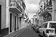 Calle San José, a common street scene