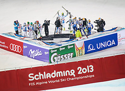 12.02.2013, Planai, Schladming, AUT, FIS Weltmeisterschaften Ski Alpin, Teambewerb, im Bild Team Oesterreich feiert die erste Goldmedaille bei der Heim WM //  Team Austria celebrates the first gold medal at the home World Championship during Team Competition at the FIS Ski World Championships 2013 at the Planai Course, Schladming, Austria on 2013/02/12. EXPA Pictures © 2013, PhotoCredit: EXPA/ Johann Groder
