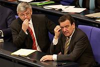 11 DEC 2003, BERLIN/GERMANY:<br /> Joschka Fischer (L), B90/Gruene, Bundesaussenminister, und Gerhard Schroeder (R), SPD, Bundeskanzler,waehrend einer Bundestagsdebatte zum EU-Verfassung, Plenum, Deutscher Bundestag<br /> IMAGE: 20031211-01-022<br /> KEYWORDS: Gerhard Schröder