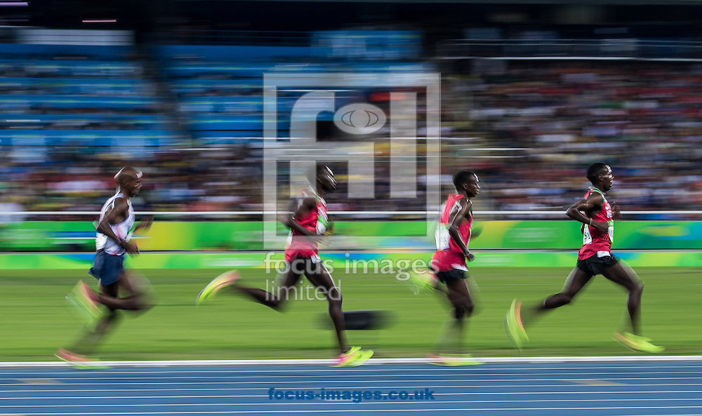 Mo Farah of Great Britain takes Gold to retain his title in the Men's 10,000m on day eight of the XXXI 2016 Olympic Summer Games in Rio de Janeiro, Brazil.<br /> Picture by EXPA Pictures/Focus Images Ltd 07814482222<br /> 13/08/2016<br /> *** UK &amp; IRELAND ONLY ***<br /> <br /> EXPA-GRO-160814-5276.jpg
