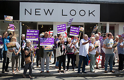 © Licensed to London News Pictures. 20/06/2016. Clacton-on-Sea, UK . Vote Leave supporters cheer as UKIP party leader Nigel Farage arrives to campaign for Brexit in the last few days of the EU referendum. Photo credit: Peter Macdiarmid/LNP