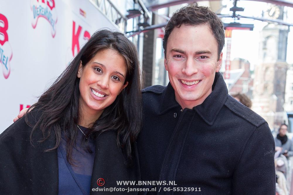 NLD/Amsterdam/20140202 - Premiere K3 Dierenhotel, Gregor Salto , zwangere partner en dochter
