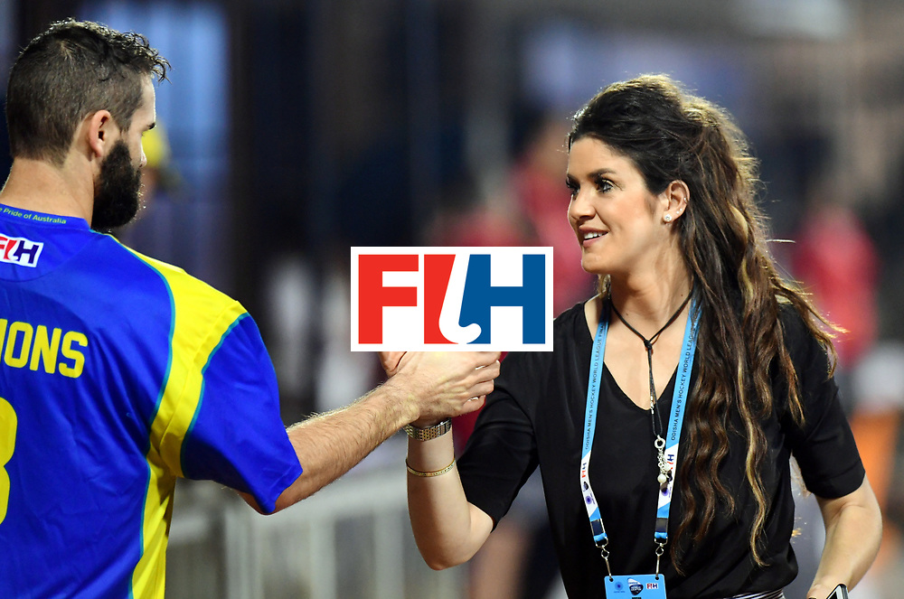 Odisha Men's Hockey World League Final Bhubaneswar 2017<br /> Match id:22<br /> Argentina v Australia Final<br /> Foto: keeper Tristan Clemons (Aus) and Anna Flannagan<br /> COPYRIGHT WORLDSPORTPICS FRANK UIJLENBROEK