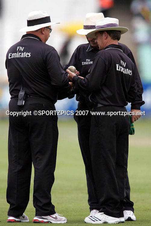South Africa v New Zealand. International cricket The Umpires choose a replacement ball during the 1st One Day International match held at Kingsmead Stadium, Durban, South Africa. Sunday 25 November 2007. Photo: Ron Gaunt/SPORTZPICS/PHOTOSPORT