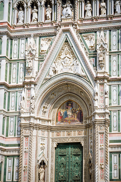 Facade detail at the Cathedral of Santa Maria del Fiore (Duomo), Florence, Tuscany, Italy