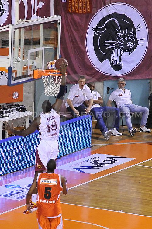 Udine, 18/05/2011..PalaCarnera. Campionato di Basket LegaDue 2010/11. Playoff Gara 3. .Snaidero Udine vs Umana Venezia..Nella foto: Sylvere Bryan..Foto di Simone Ferraro