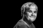 &bdquo;Ich liebe es zu lachen!&ldquo;<br /> Ilona, 51, verkauft in Barmbek. Glaube macht gute Laune: ILONA hat<br /> immer ihre Bibel dabei &ndash; auch wenn sie an der<br /> Fuhle in Barmbek Hinz&amp;Kunzt verkauft.