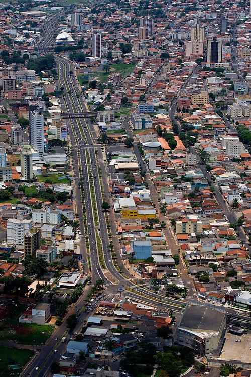 Uberlandia _ MG, Brasil...Vista aerea da cidade de Uberlandia, Minas Gerais...The aerial view of Uberlandia, Minas Gerais...Foto: BRUNO MAGALHAES / NITRO