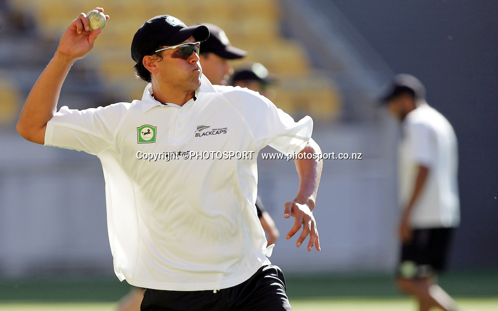 Recalled Black Cap Daryl Tuffey during Black Caps training session at Westpac Stadium, Wellington, New Zealand on Wednesday February 13, 2007. Photo: John Cowpland/PHOTOSPORT