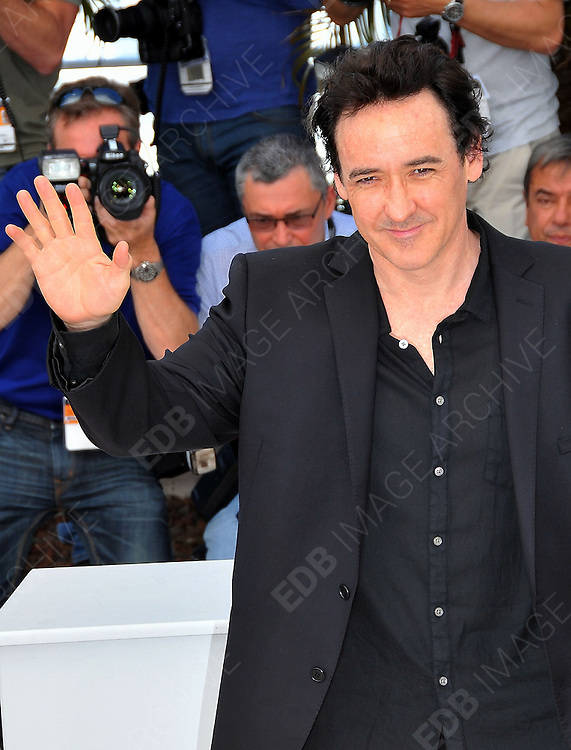 24.MAY.2012. CANNES<br /> <br /> CELEBS ATTEND THE 'PAPERBOY' PHOTOCALL AT THE 65TH CANNES FILM FESTIVAL. <br /> <br /> BYLINE: EDBIMAGEARCHIVE.CO.UK<br /> <br /> *THIS IMAGE IS STRICTLY FOR UK NEWSPAPERS AND MAGAZINES ONLY*<br /> *FOR WORLD WIDE SALES AND WEB USE PLEASE CONTACT EDBIMAGEARCHIVE - 0208 954 5968*