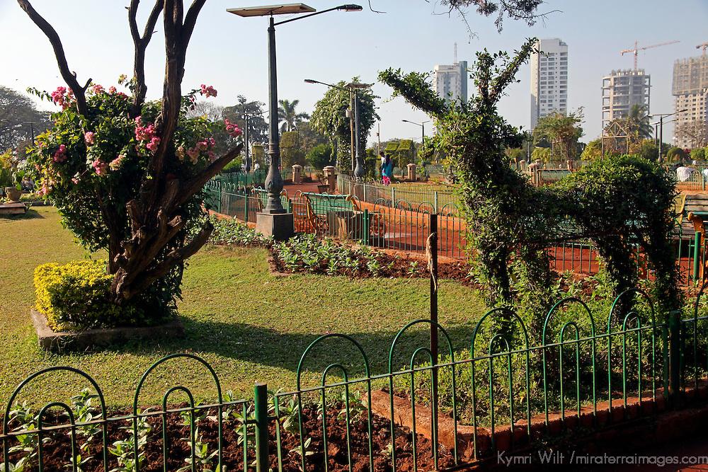 Asia, India, Mumbai. Hanging Gardens topiary.