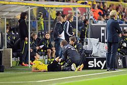 """14.09.2013, Signal Iduna Park, Dortmund, GER, 1. FBL, Borussia Dortmund vs Hamburger SV, 5. Runde, im Bild Henrikh """"Micki"""" Mkhihtaryan #10 (Borussia Dortmund) wird am rechten Knie untersucht, // during the German Bundesliga 5th round match between Borussia Dortmund and Hamburger SV at the Signal Iduna Park, Dortmund, Germany on 2013/09/14. EXPA Pictures © 2013, PhotoCredit: EXPA/ Eibner/ Joerg Schueler<br /> <br /> ***** ATTENTION - OUT OF GER *****"""