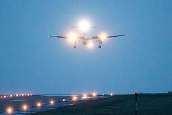 © Licensed to London News Pictures. 03/01/2018. Leeds, UK. A aircraft struggles to land in strong winds this morning at England's highest airport, Leeds Bradford international as storm Eleanor batters the country. Photo credit: Andrew McCaren/LNP