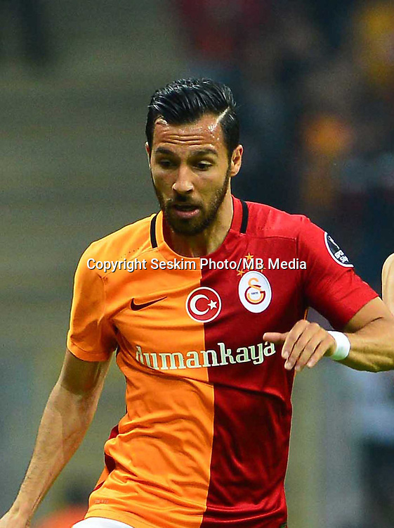 Turkey Sportoto superlig big derby match between Galatasaray and Fenerbahce at Turk Telekom Arena Stadium in Istanbul , Turkey , april 13  ,2016.<br /> Final Score : Galatasaray 0 - Fenerbahce 0<br /> Pictured: Yasin Oztekin (L) of Galatasaray and Volkan Sen (R) of Fenerbahce.