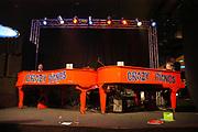 Miljonair Fair 2004 - Ondernemen is topsport<br /> De derde Miljonair Fair 2004, van 10 t/m 12 december in de RAI Amsterdam, was een daverend succes! Vier dagen lang sprankelende luxe op 20.000 vierkante meter RAI.<br /> Op de foto: The Crazy Piano's