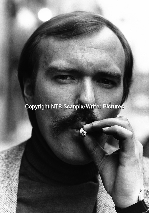 Oslo 19820402. <br /> Alf R. Jacobsen, forfatter og journalist. <br /> Foto:  NTB / SCANPIX<br /> <br /> NTB Scanpix/Writer Pictures<br /> <br /> WORLD RIGHTS, DIRECT SALES ONLY, NO AGENCY